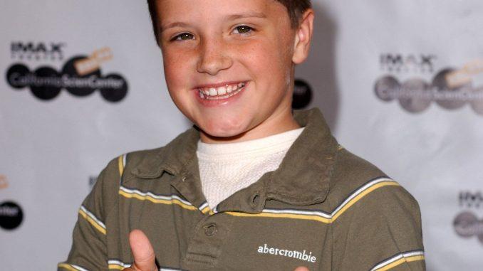 Josh Hutcherson's Wiki: Girlfriend, Net Worth, Dating, Brother, Now, Family