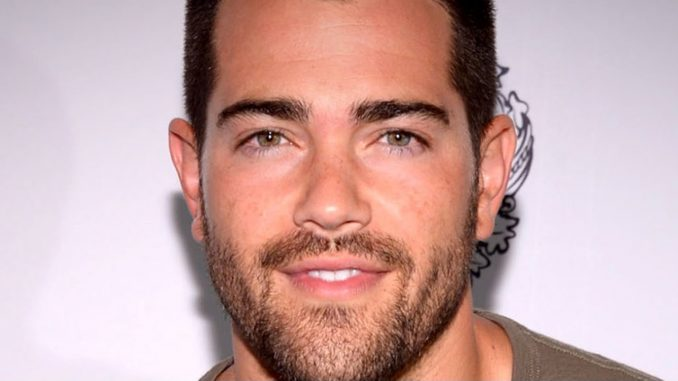 Where's Jesse Metcalfe today? Wiki: Wife, Baby, Net Worth, Married, Son
