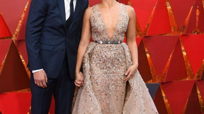 Gina Rodriguez Husband, Sister, Net Worth, Baby, Dating, Family, Nationality