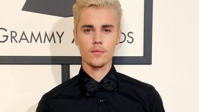 Justin Bieber's Wiki: Net Worth, Son, Baby, Girlfriend, Dating, Now, Parents