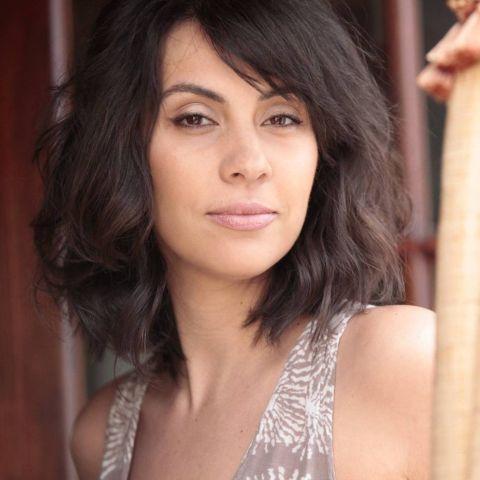 Alexandra Manea is a married women.