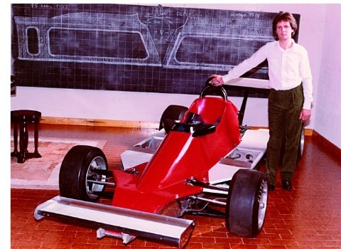 Horacio Pagani first worked in a  small shop