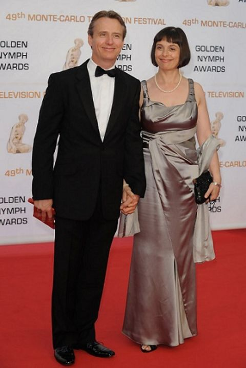 Linus Roache is married to the love of his life, Rosalind Bennett.