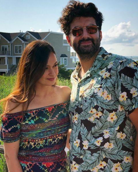 Joanne Nosuchinsky share loving relationship with her partner.