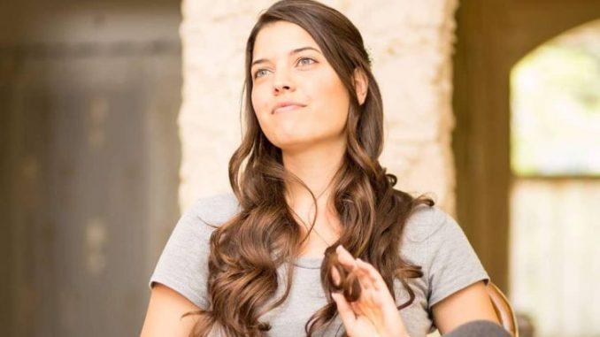 Maya Devir is married to artist Yehuda Devir.