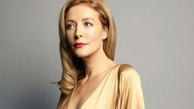 Jennifer Finnigan holds a net worth of $500,000 as of 2019.