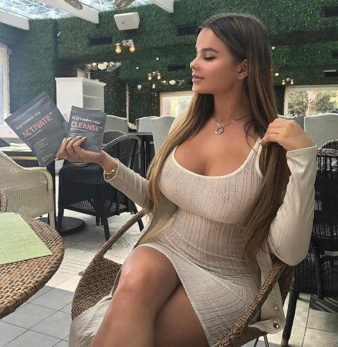 Anastasia Kvitko has a net worth of $200 thousand