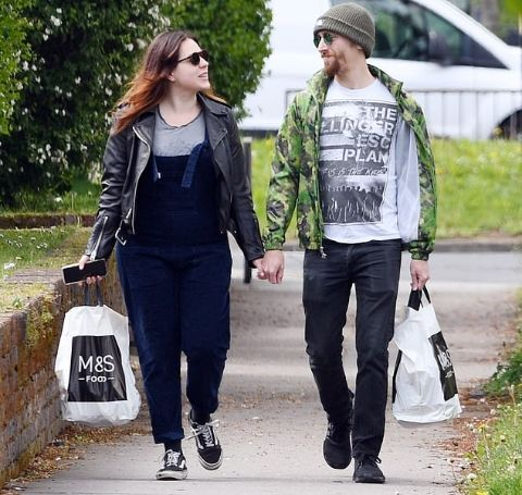 Max Parker shopping with his wife Isabella Cruise.