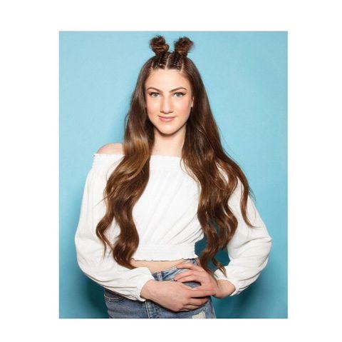 Kitty Blu Appleton is the younger daughter of Celebrity hairdresser Chris Appleton.