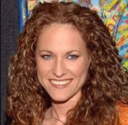 Jerri Manthey is a famous for her appearance in Survivor show.