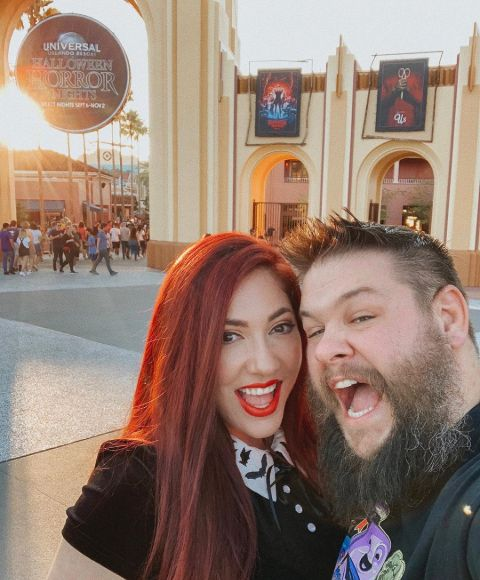Karena Elias dated Kevin Owens briefly for one month in MySpace for one month before showing up for real date.
