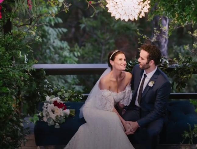 Idina Menzel Marries Rent Costar Aaron Lohr