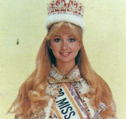 Christie Claridge is the beauty who won the competition of Miss International in 1982.