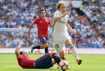 Unai Garcia Tackling Against The Opponent