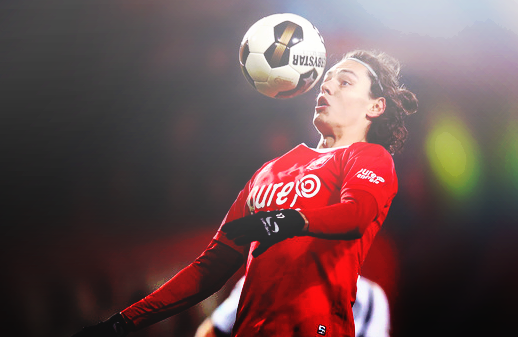 Enes Unal With Ball Heading