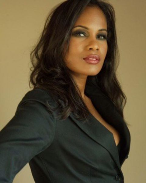 Robinne Lee giving a pose in a  photoshoot.