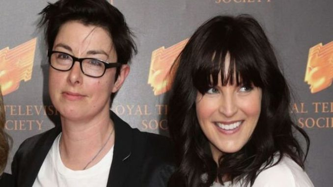 Are Sue Perkins and Anna Richardson married?