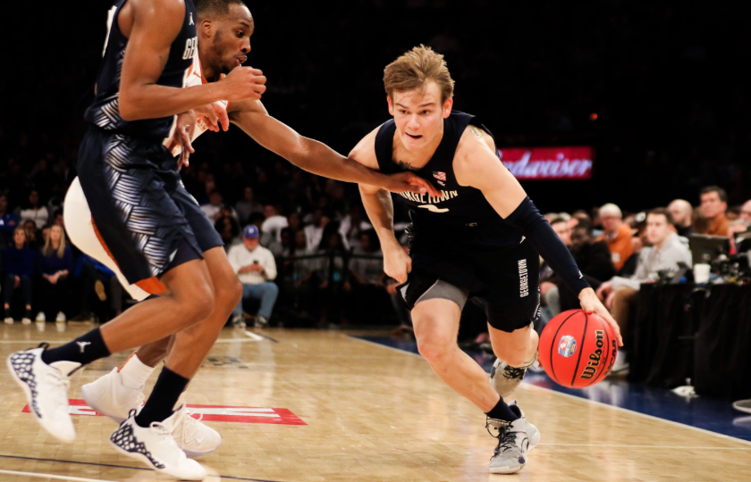 Mac McClung against the opponent