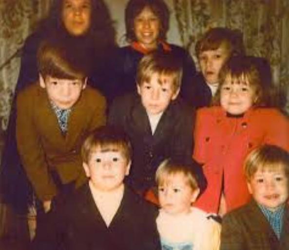 Mark Wahlberg Siblings