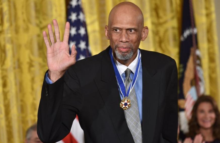 Kareem Abdul-Jabbar with Medal of Freedom at White House