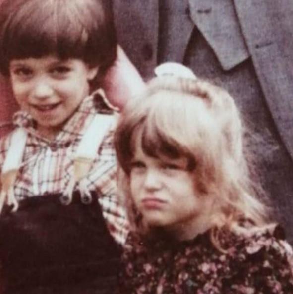 Rita Simons siblings