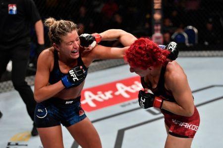 Ashley Yoder in a Fight With Randa Markos