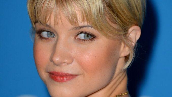 Sarah Jones Bio, Age, Family, Net Worth, Movies, Boyfriend, TV Shows