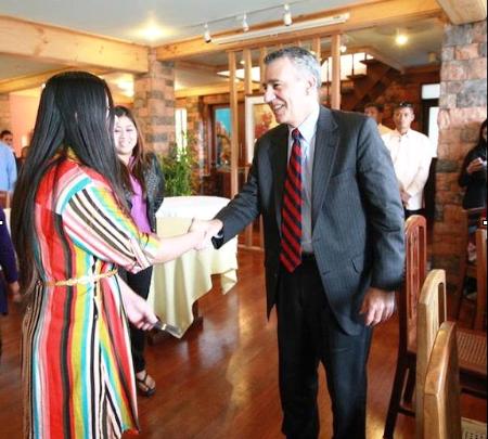 Investor Jonha Richman meeting with US Ambassador Philip Goldberg