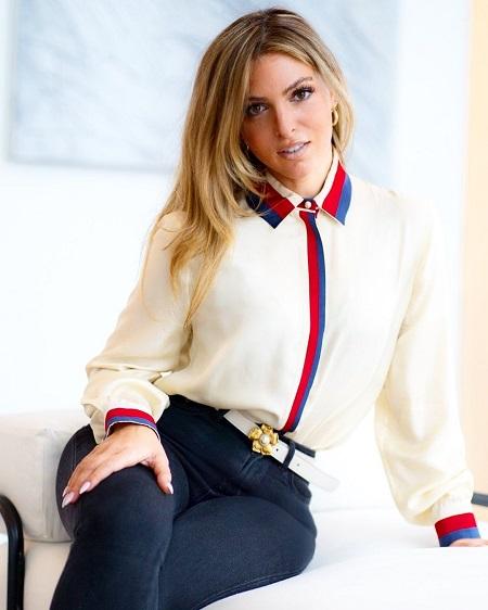 Eleonora Srugo is single at the moment