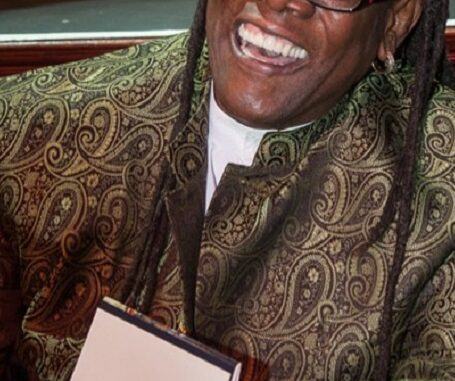 Clarence Clemons signing autographs
