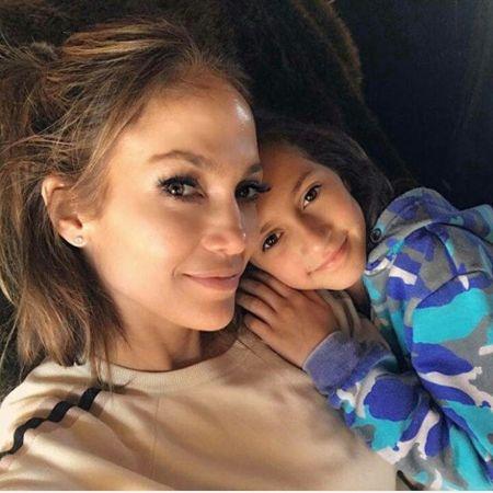 Emme Maribel Muñiz with her mom Jlo