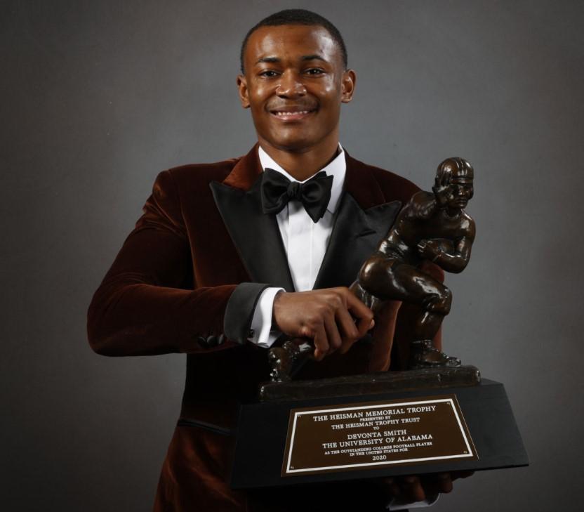 DeVonta Smith Heisman Trophy