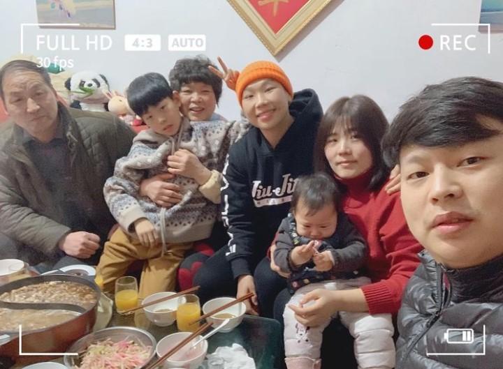 Xiong Jing Nan family