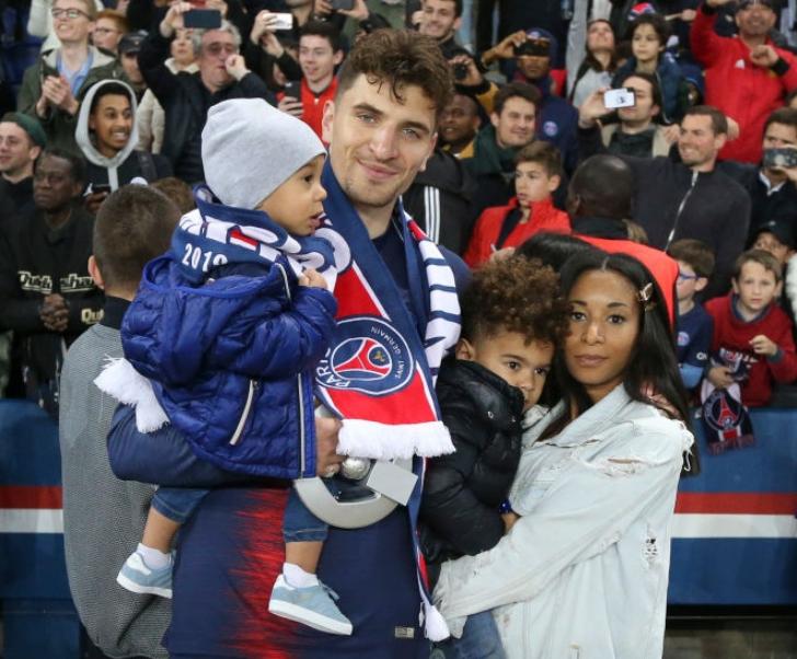 Thomas Meunier and his wife, Deborah with their kids