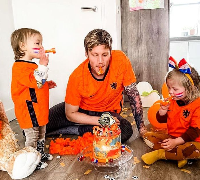 Wout Weghorst and his childrens