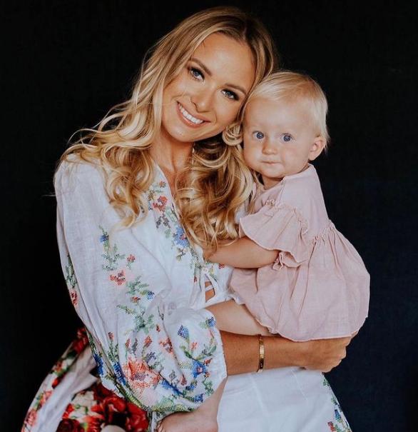 Karol Linetty's girlfriend Wioletta Janata and their children