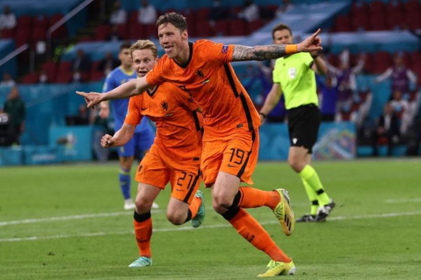 Wout Weghorst Celebrating After A Goal Against Ukraine