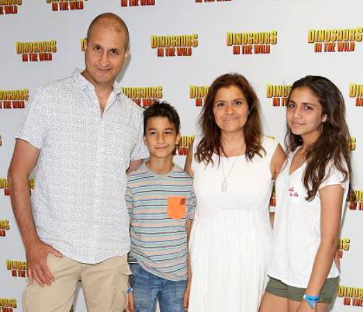 Nina Wadia Family