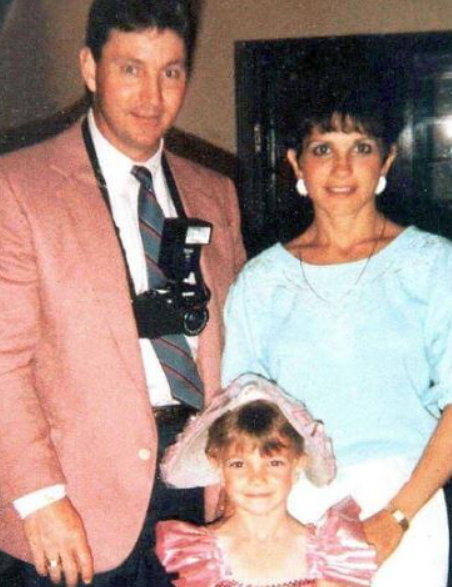 James Parnell Spears with his sexond ex-wife Lynne Spears and their daughter