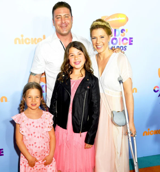 Jodie Sweetin with her ex-husband, Justin Hodak and her kids