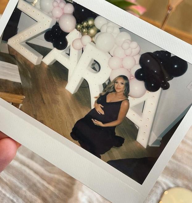 Alexis Gale pregnant